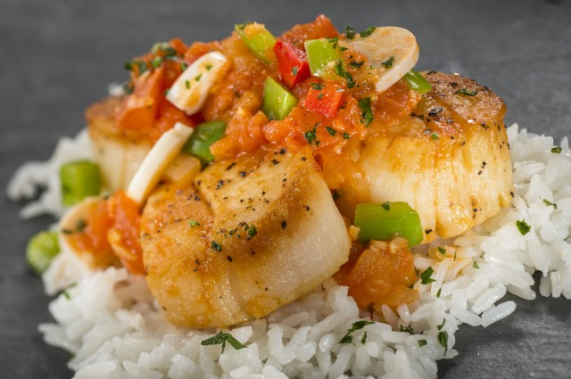 Seared Scallop with Hearts of Palm and Tomato Stew
