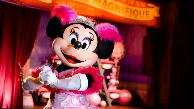 character-meet-and-greet-minnie-daisy-petes-silly-slideshow-00
