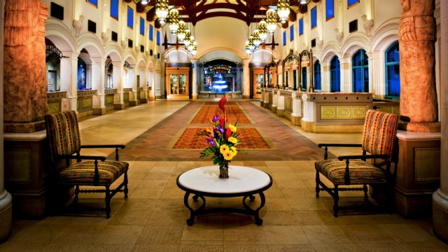coronado-springs-resort-gallery02