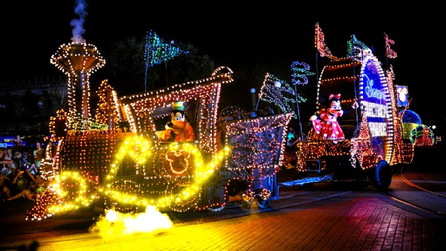 main-street-electrical-parade-00