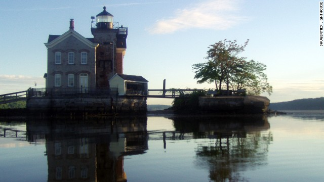 9. Saugerties Lighthouse, New York, USA
