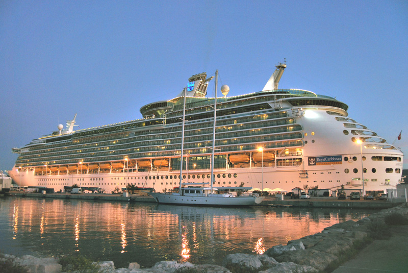 Navigator of the Seas Arrives in Texas
