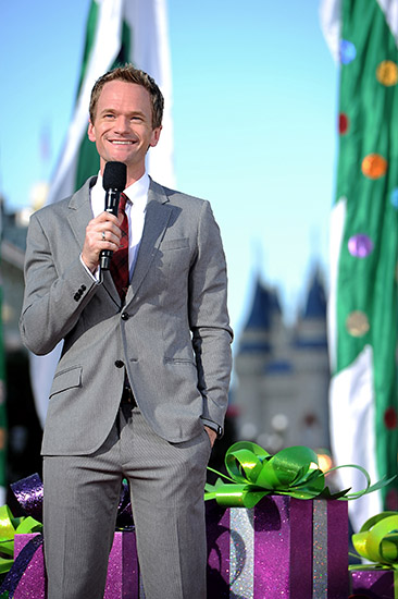 dtnemail-Neil_Patrick_Harris_World_of_Color-61674